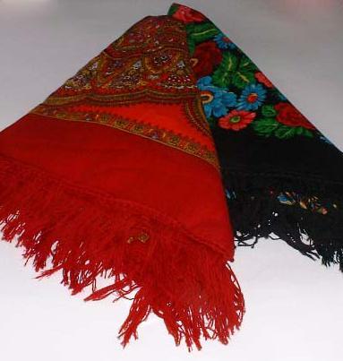 индийских кашемировых шалей, ставших. черный. темно-синий, вишневый фон...